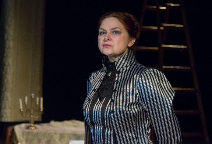 Заслужена артистка України Наталія Лань у виставі «Та, котру любили».