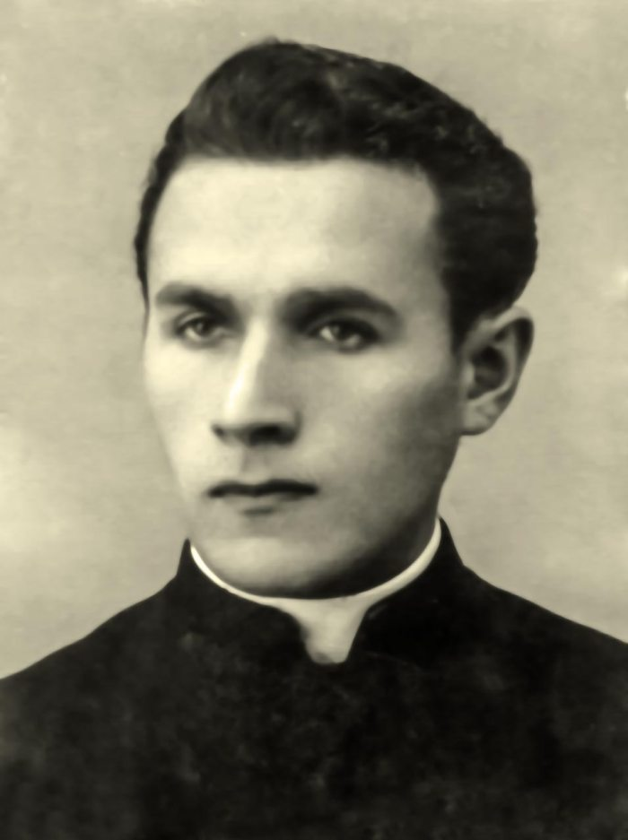 Олександр Буць