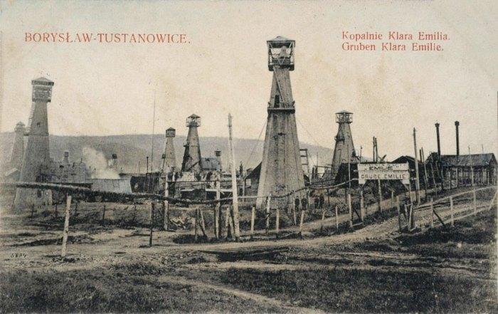 Нафтові вишки в Бориславі. Поштівка 1905 року