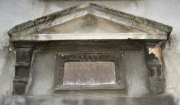 Пам'ятна таблиця на честь абатиси Алехандри Гаталь