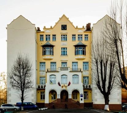 Колишня Жіноча гімназія Софії Стшалковської на вул. Зеленій №22