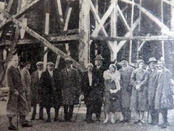 Мандрівники з Трускавця на огляді Бориславського нафтового родовища, 20-30-і роки ХХ ст.