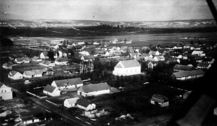 Кірха у колонії Дорнфельд - аерофотозйомка(світлина надана Олегом Стецишином)