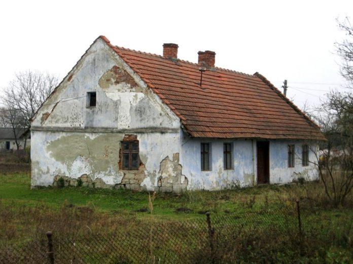 Хата мурована з каменя (два вікна у кімнаті) Дорнфельд