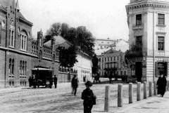 Кінний трамвай на площі Митній