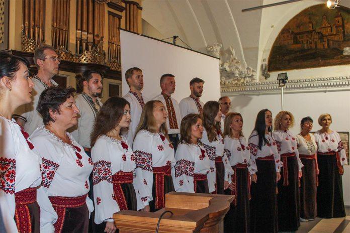 Митрополичий хор Собору святого Юра. Диригент Надія Поворозник