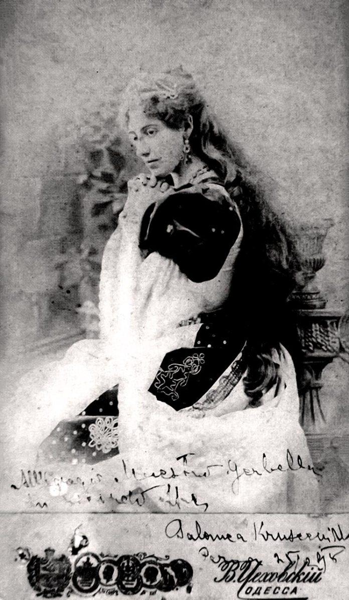 """- Соломія Крушельницька в образі Дездемони (""""Отелло"""" Дж. Верді)"""