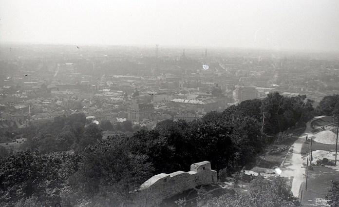 Вид Львова та руїни Високого Замку. Фото Анатолія Васильківського, 1956 р.