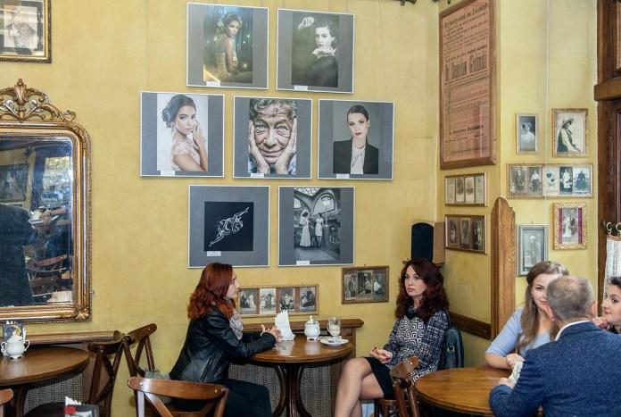 """Експозиція виставки """"Жінка в об'єктиві чеських фотографів"""""""