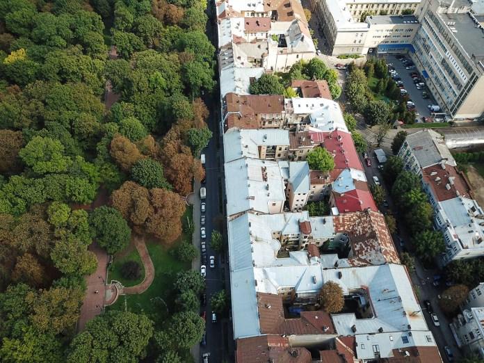 Сучасна вулиця Соломії Крушельницької, вигляд зверху. Фото 2017 року