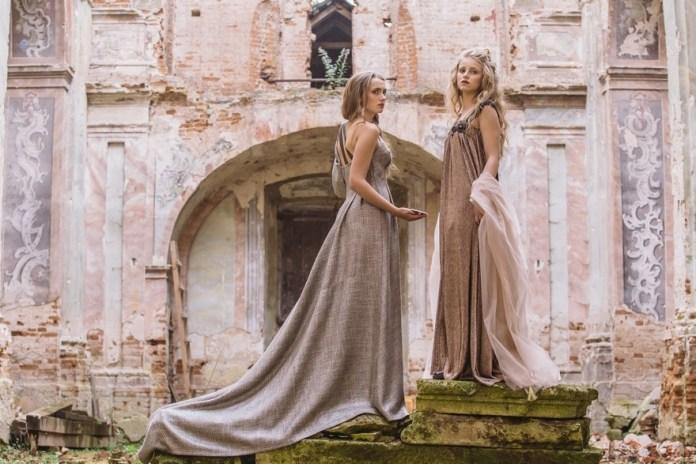 Модна фотосесія у напівзруйнованому костелі в селі Годовиця