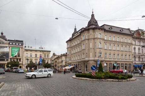 Місце, де колись була площа Академічна, 2017 р.Місце, де колись була площа Академічна, 2017 р.