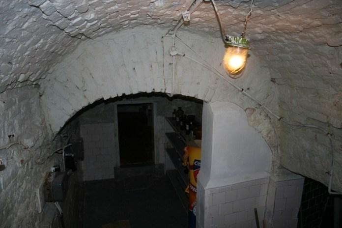 У підземеллі під аптекою-музеєм