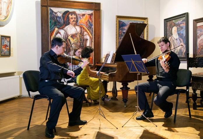 Романтична класика, або знову зазвучав рояль в майстерні Новаківського