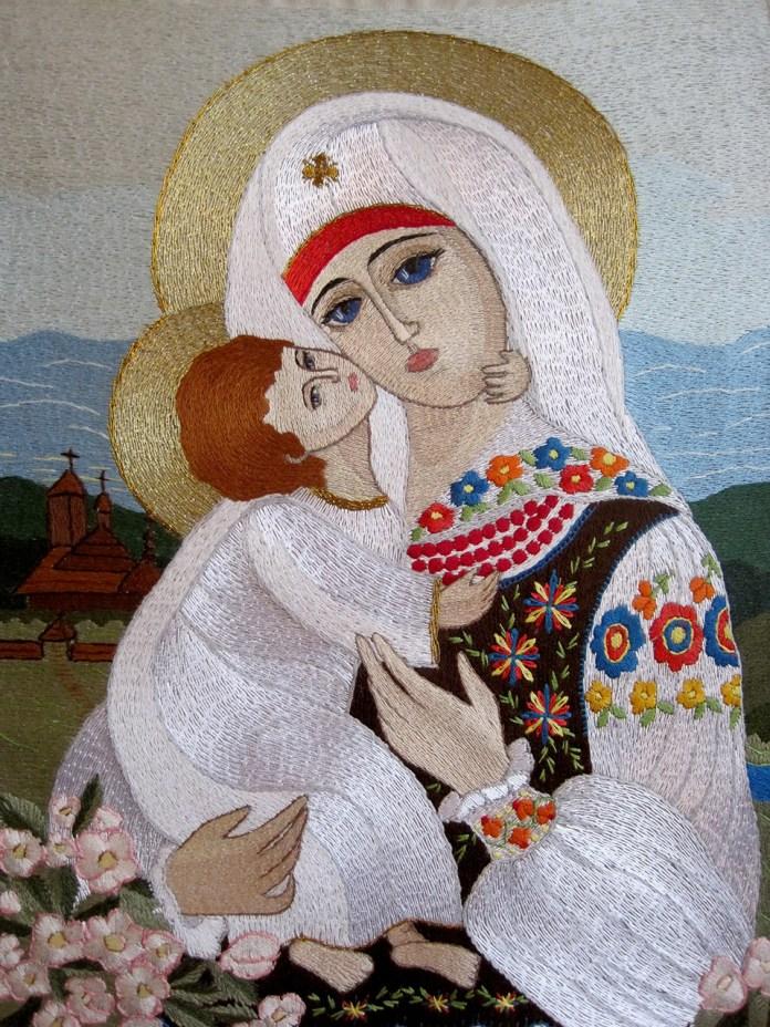 Робота Марти Кулинич-Новицької Літо з серії Лемківська Мадонна за авторською іконою Марії Янко