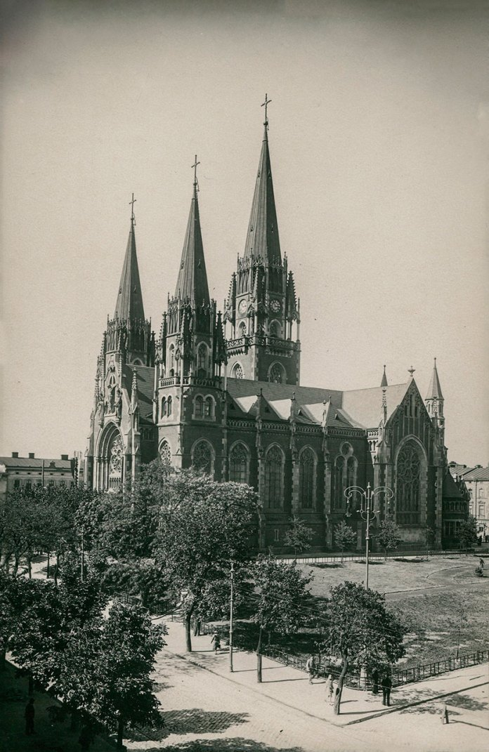 Церква св. Ольги та Елисавети була споруджена за кошти залізниці і залізничників. 1915 р