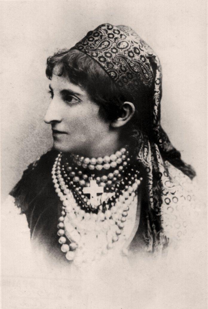 Євгенія Барвінська (1854-1913) – піаністка, диригентка, перша вчителька Соломії Крушельницької з фортепіано і співу.