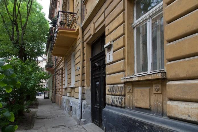 Кам'яниці під номерами 3 та 5 у Львові по вулиці Глібова. Фото Романа Метельського