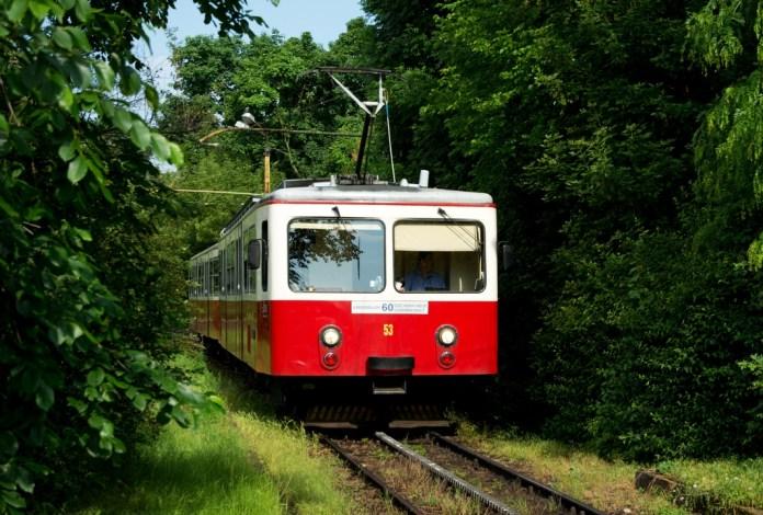 Зубчастий трамвай маршруту № 60 у Будапешті. Сучасне фото