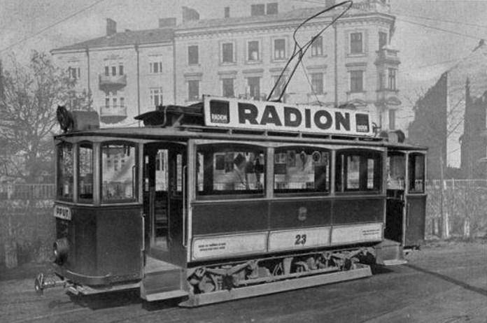 """Трамвайний вагон """"Graz"""" № 23. Такі вагони почали постачатися у Чернівці починаючи із 1908 року."""