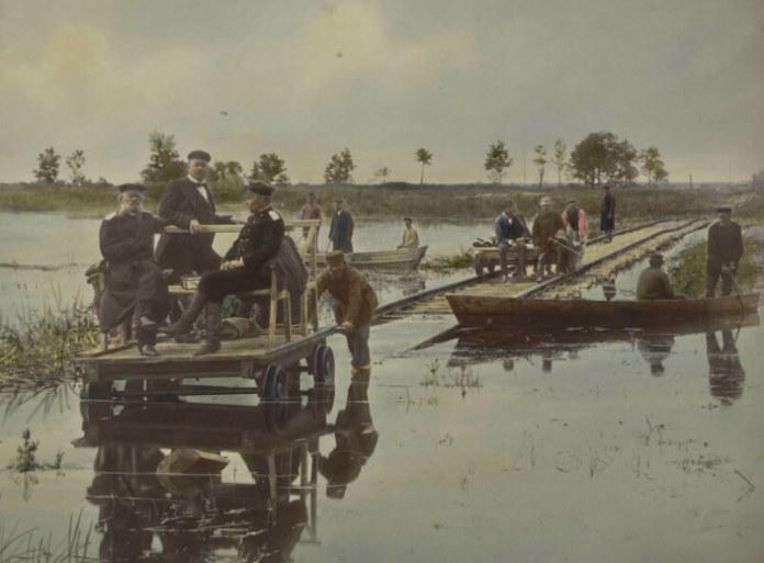Колії прокладалися у важких умовах. Фотограф Конрад Бандель, 1880-і рр.