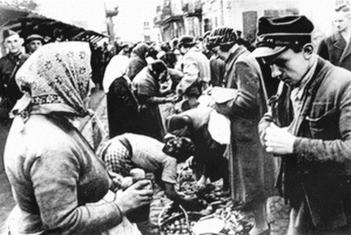 На рівненському ринку, вересень 1939
