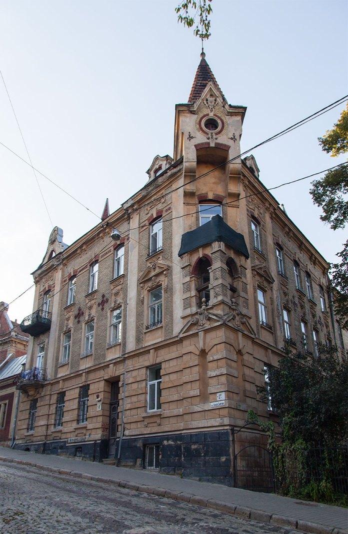 Вулиця Самчука, буд. №2-4