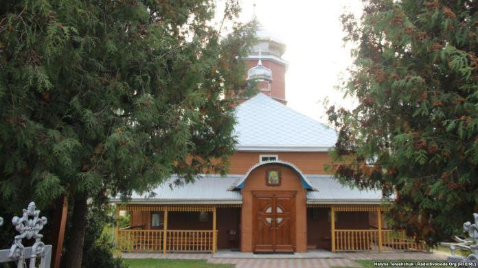 Церква Святого Миколая УГКЦ у Радехові, де знайшли сакральні речі