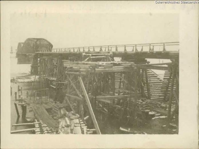 Зведення мосту біля Жидачева