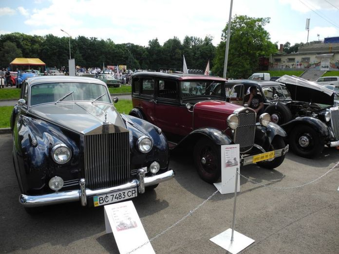 Міжнародний фестиваль ретро автомобілів «Леополіс Гран Прі»
