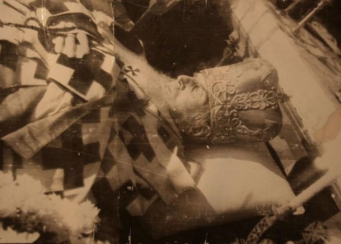 Митрополит Андрей Шептицький на смертному ложі (оригінал фото знаходиться у історичному архіві у Львові)