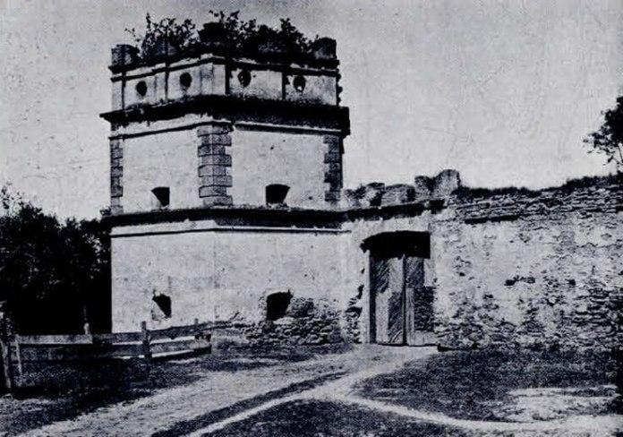 Башта і оборонні мури монастиря, Межиріч, 1935 рік