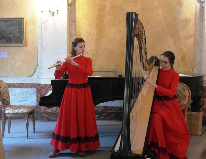 Алісія та Катаріна Мудрик на концерті