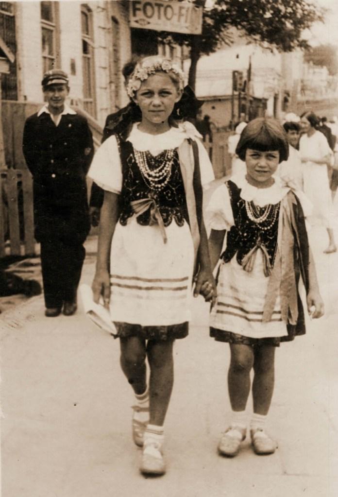 Тамара і Галя Давидюк, 1938 р.
