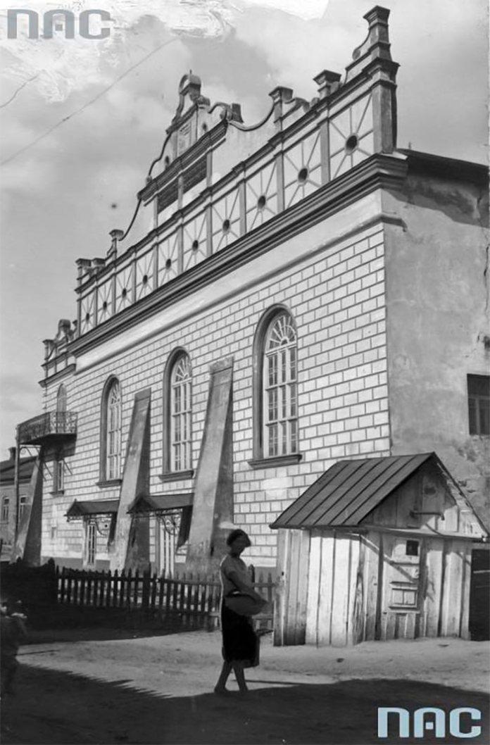 Синагога в Острозі