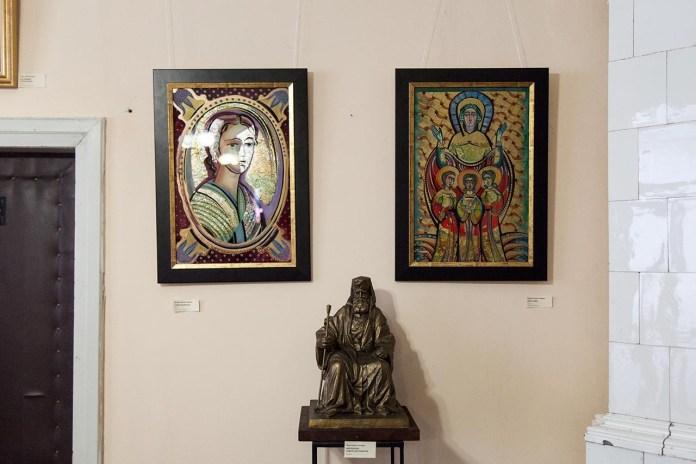 """Експозиція мистецької виставки """"Молитва до Митрополита. Софія"""""""