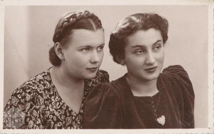 Дві рівнянки, 1938 рік. Салон Долінко