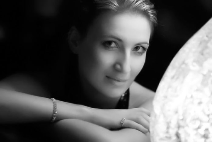 Олена Жукова