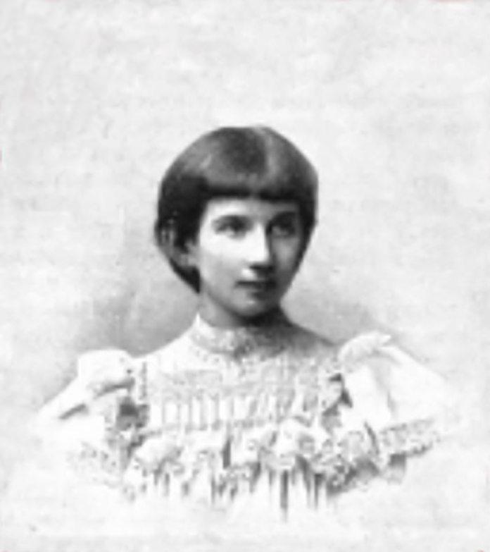 Пола Шаліт у 10-річному віці