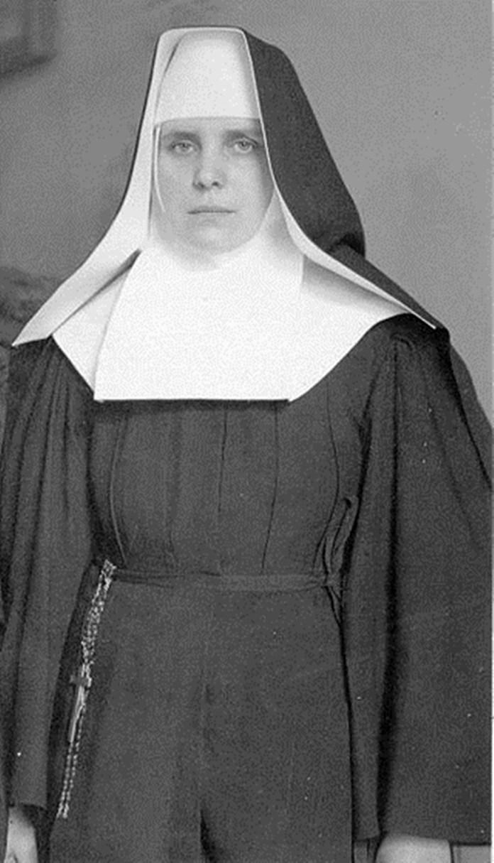 Греко-католицька черниця Чину святого Василія Великого сестра Маріям (в миру - Анастасія Волошин) є найвідомішою українською стигматичкою. Стигми в неї з'явилися у віці 24 років. Вона дожила до часів незалежності України й помера в 1994 році вікіпедія