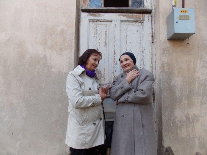 Алла Приступа (праворуч)-остання з цієї родини власниця будинку