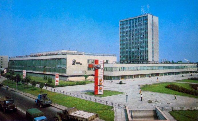 """Будинок преси – видавництво """"Вільна Україна"""". Фото 1980-х рр."""