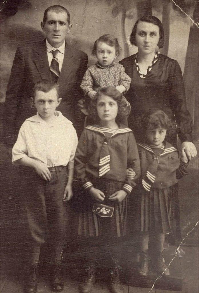 Мешканці Березного, Рівненщина, 1935 р.