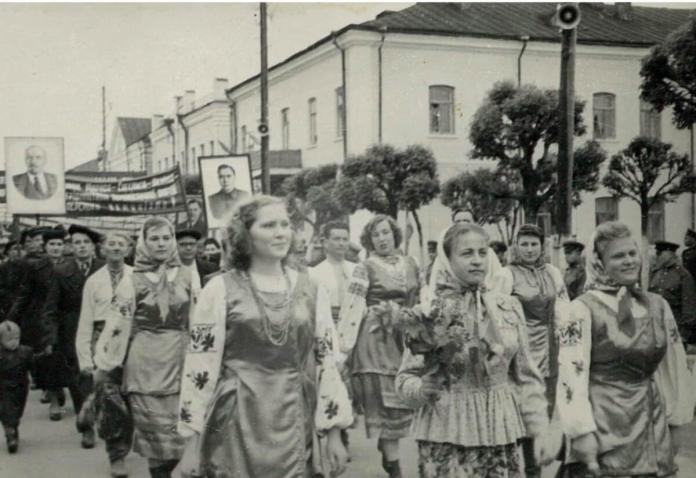 Першотравень, 1949 рік