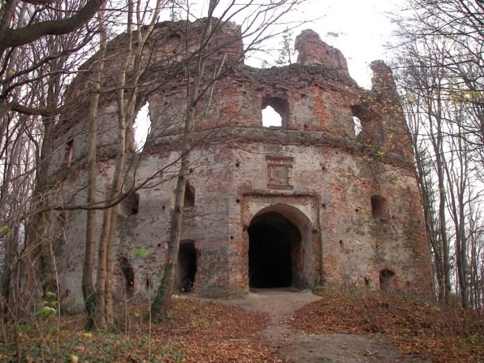 Замок Гербуртів. Фото з https://uk.wikipedia.org/