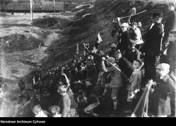 Відпочинок маленьких львів'ян, 1920-30-ті рр.