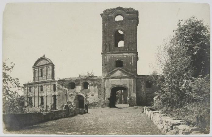 Руїни Корецького замку, фото Едварда Августиновича