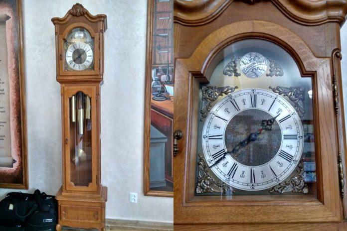 Відреставрований столітній годинник і далі служитиме аптеці