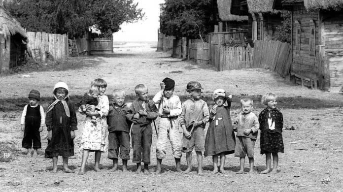 Генрик Поддембські. Поліські діти, 1936 рік