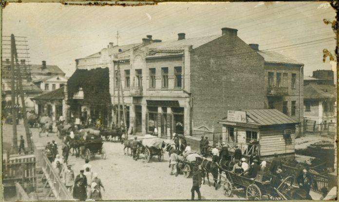 Біженці в Рівному. 1921 рік. Фото Макса Колтона